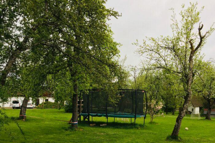 Gartentrampolin_Golfplatz